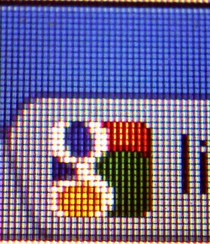 Medium zoom magnified section of screen with the google logo showing the individual pixels